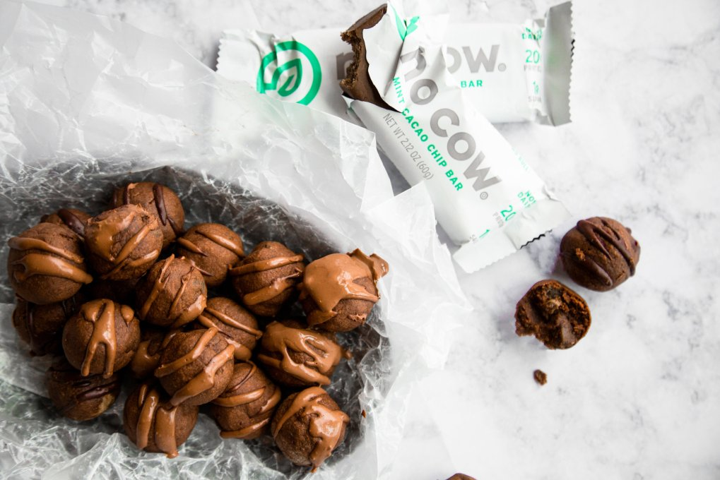 Mint chocolate protein brownie balls