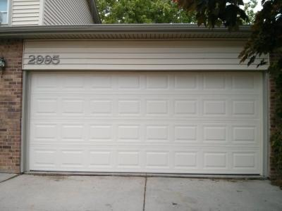 Non-Insulated Steel garage door
