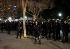 Police officers prepare to deploy a skirmish line after a student protest turned violent at UC Berkeley during a demonstration over right-wing speaker Milo Yiannopoulos, who was forced to cancel his talk, in Berkeley, California, U.S., February 1, 2017. REUTERS/Stephen Lam
