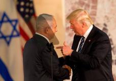 U.S. President Donald Trump and Israeli Prime Minister Benjamin Netanyahu shake hands at the Israel Museum, in Jerusalem, Tuesday, May 23, 2017. (AP Photo/Sebastian Scheiner)
