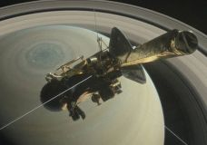NASA's Saturn-Orbiting Cassini Spacecraft Faces Fiery Finish