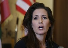 """FILE - In this June 15, 2016, file photo Oakland Mayor Libby Schaaf answers questions during a news conference at City Hall in Oakland, Calif. Schaaf warned over the weekend of Feb, 24, 2018, that federal agents were planning immigration raids across the San Francisco Bay Area. Though no major immigration sweeps have materialized, Schaaf said it was her """"ethical obligation"""" to issue the warning. (AP Photo/Eric Risberg, File)"""