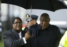 Bill Cosby, right, arrives for his sexual assault trial, Monday, April 16, 2018, at the Montgomery County Courthouse in Norristown, Pa. (AP Photo/Matt Slocum)