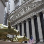 U.S. Stocks Inch Higher As Big Dividend Companies Rise