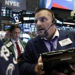 Technology Companies Lead Slide In U.S. Stocks; Oil Rising