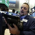 Banks Lead Stocks Lower, Erasing Some Of Prior Day's Gains