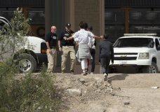 (Mark Lambie/The El Paso Times via AP)