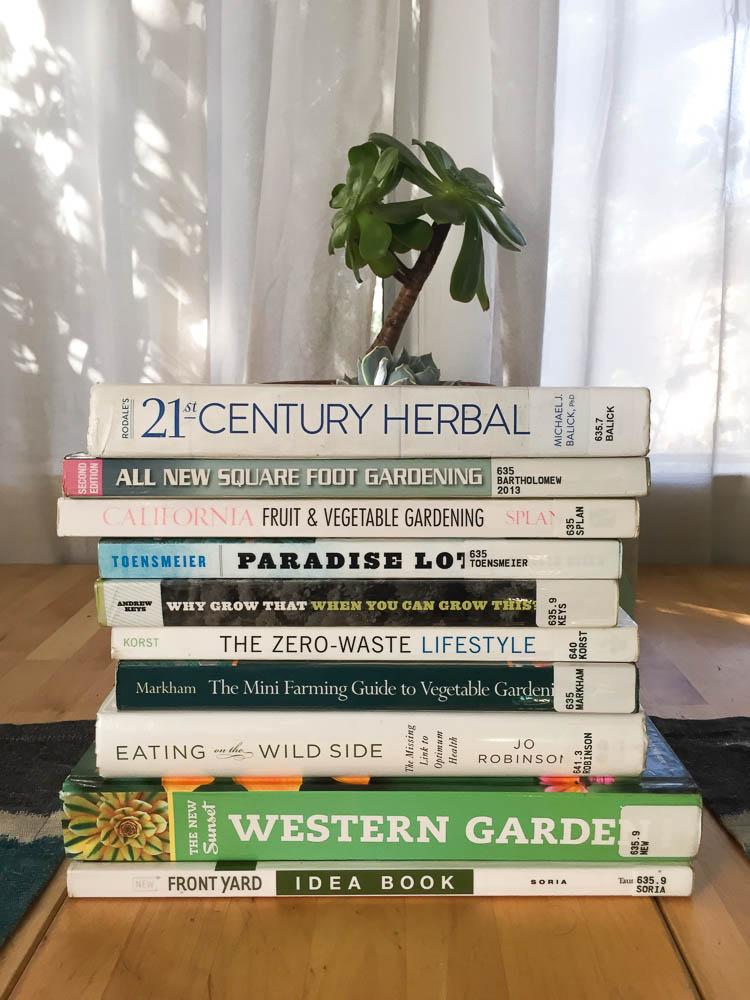 urban gardening books [Front Yard Veggies]