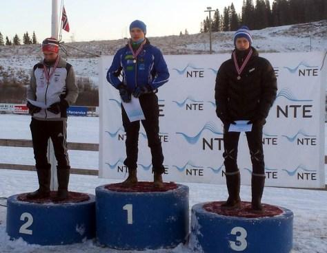 Henrik Einanghaug (Aasguten, men fra Frosta!) på topp, Hallvard Granli (Grong) nr 2 - 24 sek bak, Einar Østnor (Lierne) nr 3 - 35 sek bak, Kristian Evenhus (Aasguten) nr 4 - 1.02 bak.