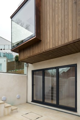 Cantilevered Detail