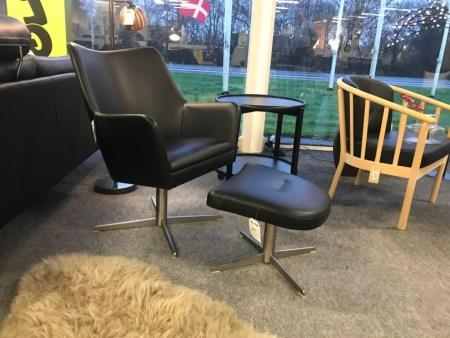 Lilje læderstol og skammel