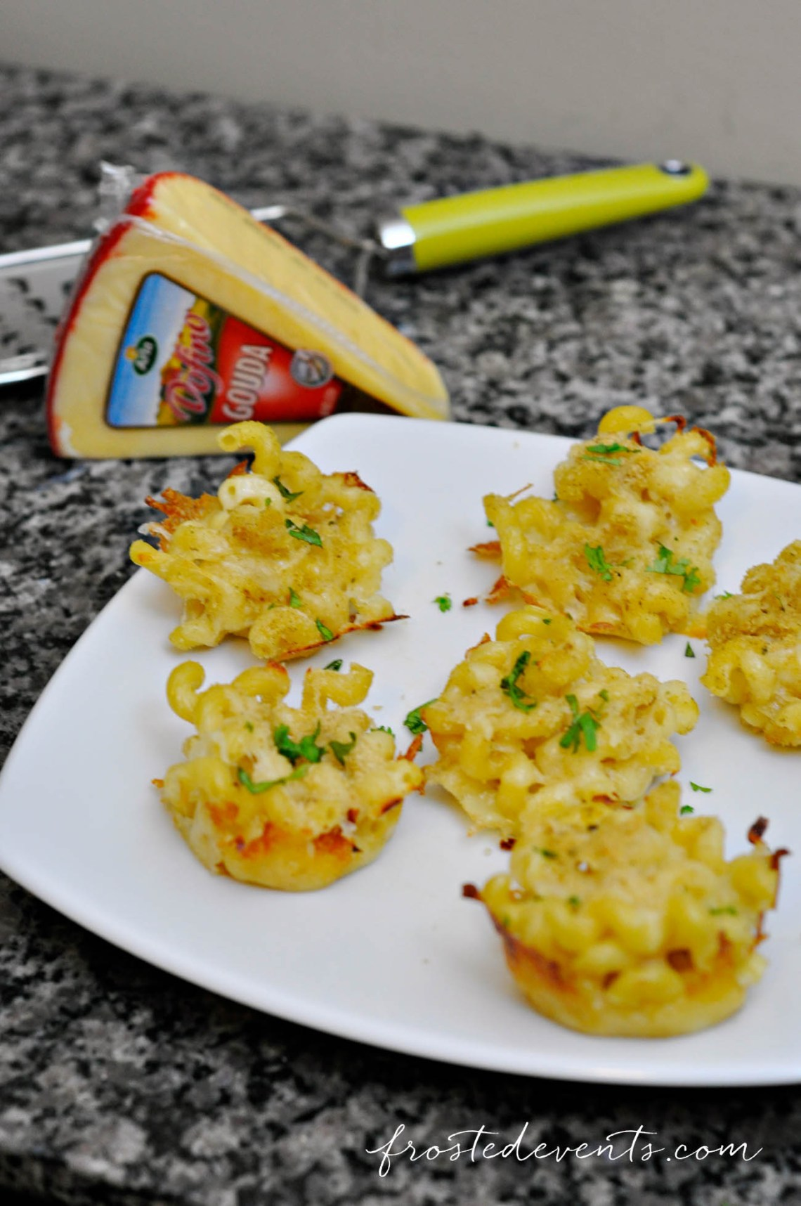 Quick and Easy Snacks + Lunch Ideas Recipe for Mac and Cheese Cupcake Bites