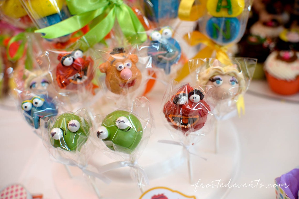Muppets Show- Muppet Theme Party - muppet cake pops #muppets candy and dessert table