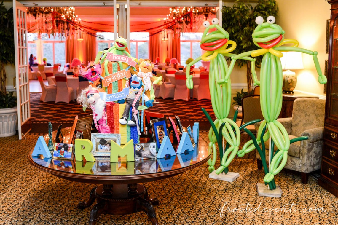 Muppets TV Show- The Muppets Show- Muppets Party Birthday - Muppet party decorations - muppet decorations #muppets