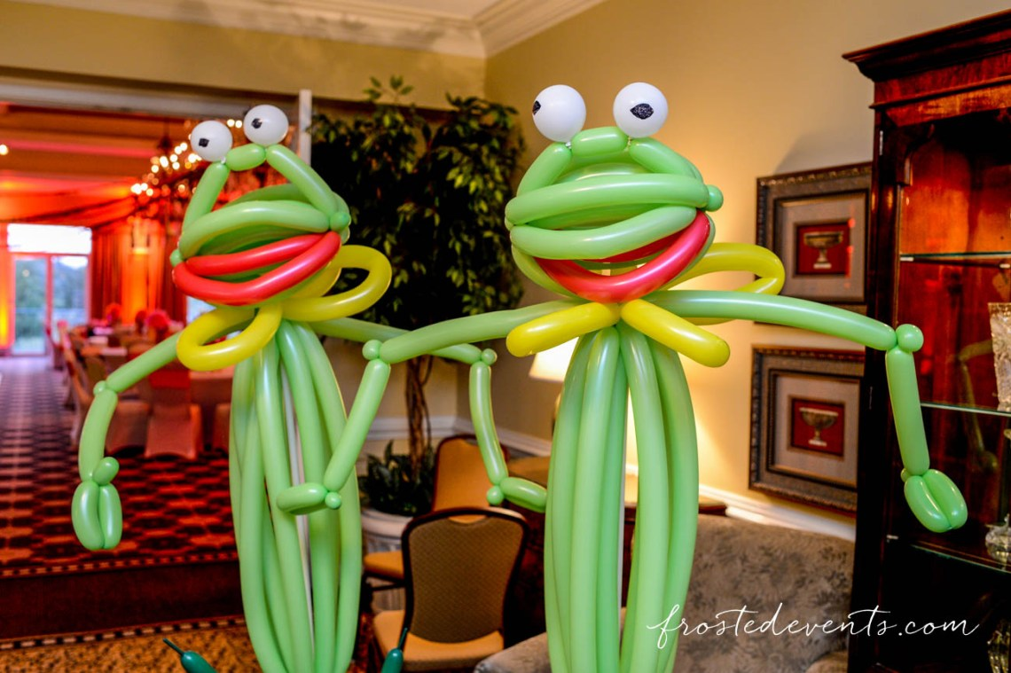 Muppets TV Show- Muppets Theme Party - Muppet birthday party ides #muppets balloons, kermit the frog, party decor