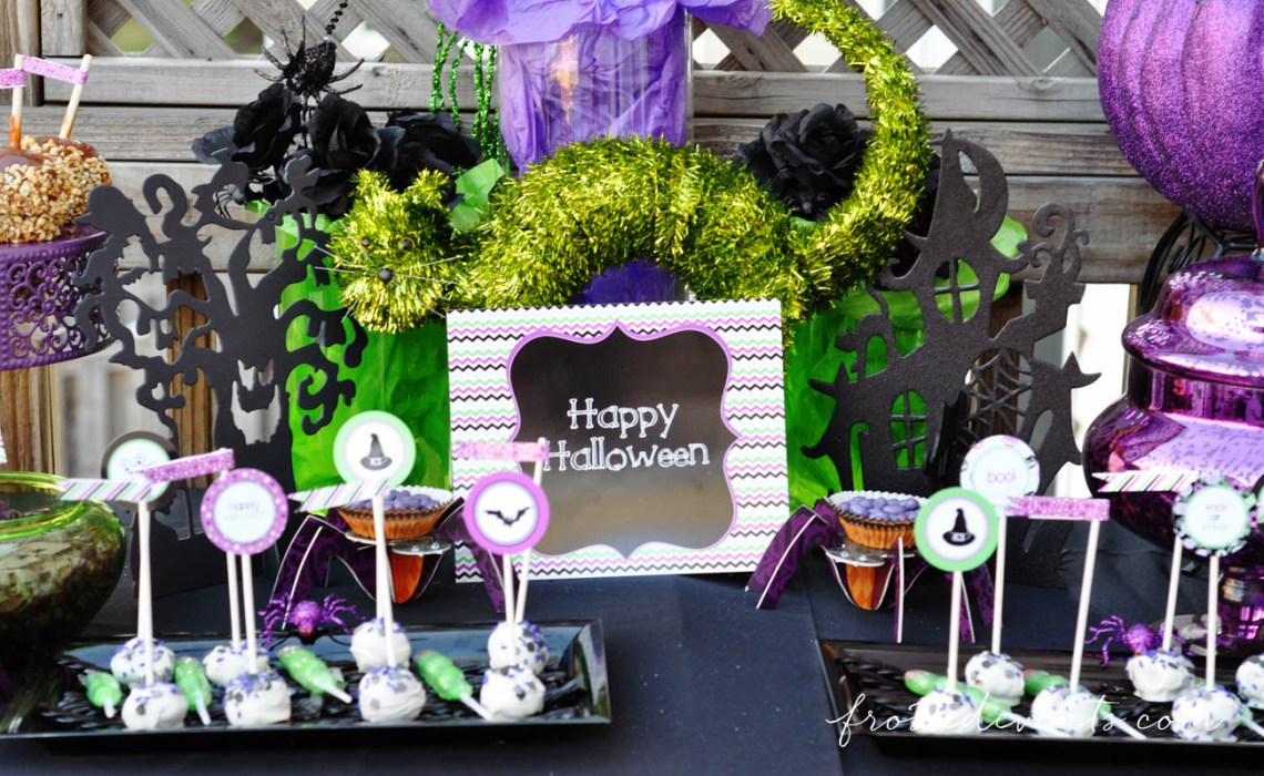 Fun Printable Party Signs! Halloween Party Themes - Monster Mash Fun Halloween Party for Kids Ideas + Halloween Printables