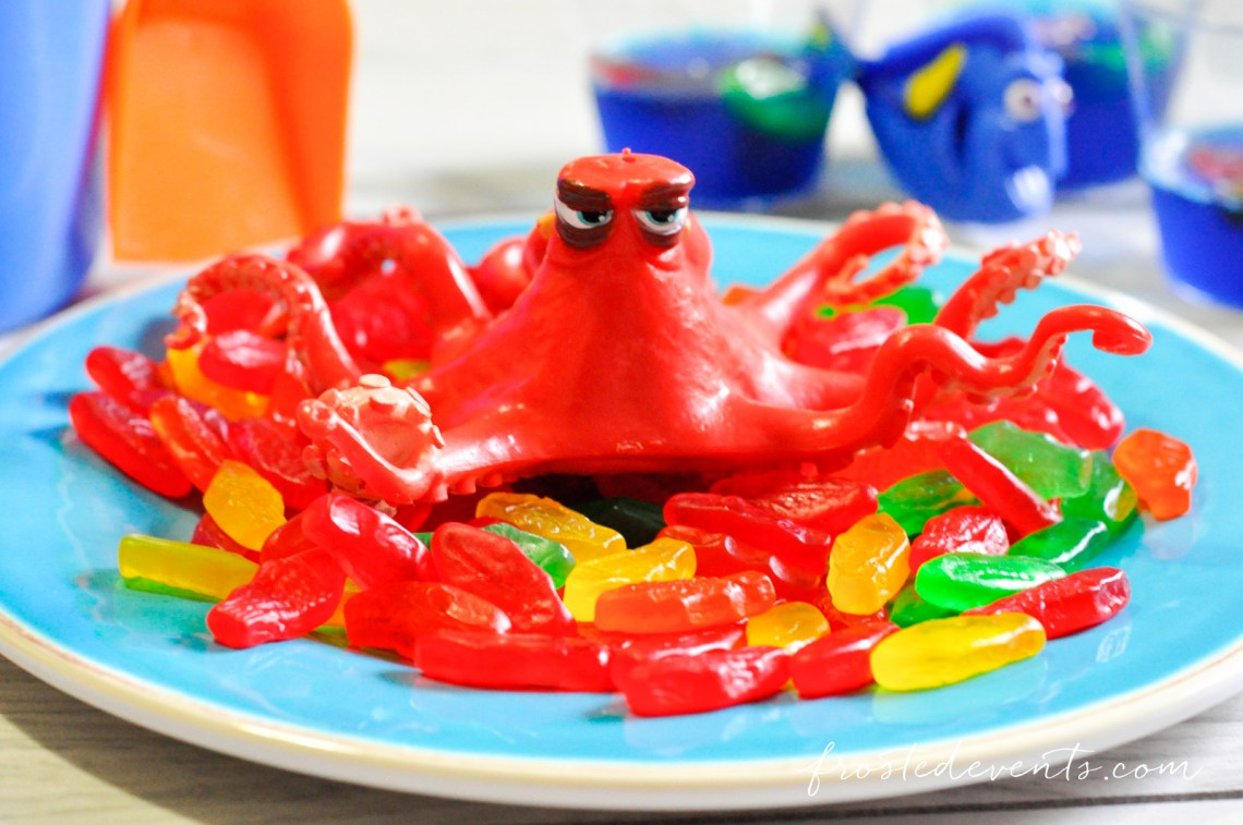 favorite-family-movies-for-movie-night-finding-dory-party-finding-nemo-party-ideas_-9