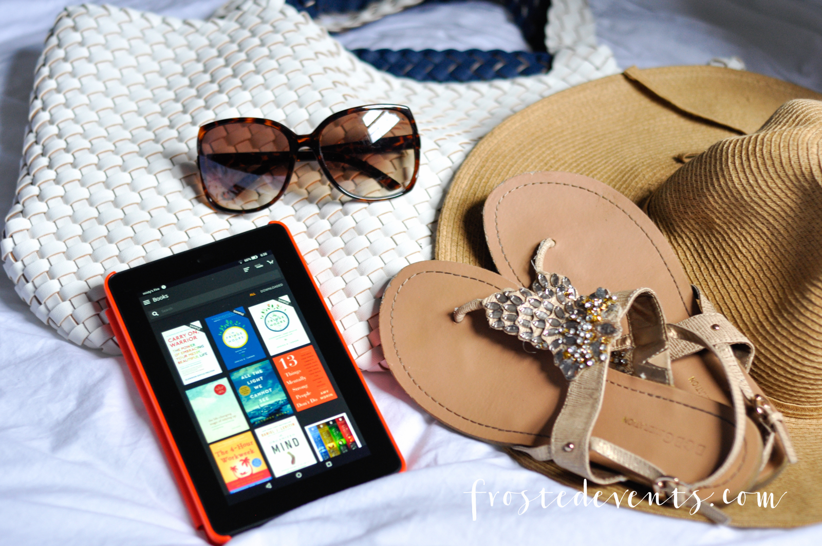 Travel Essentials for Packing Light on Vacation