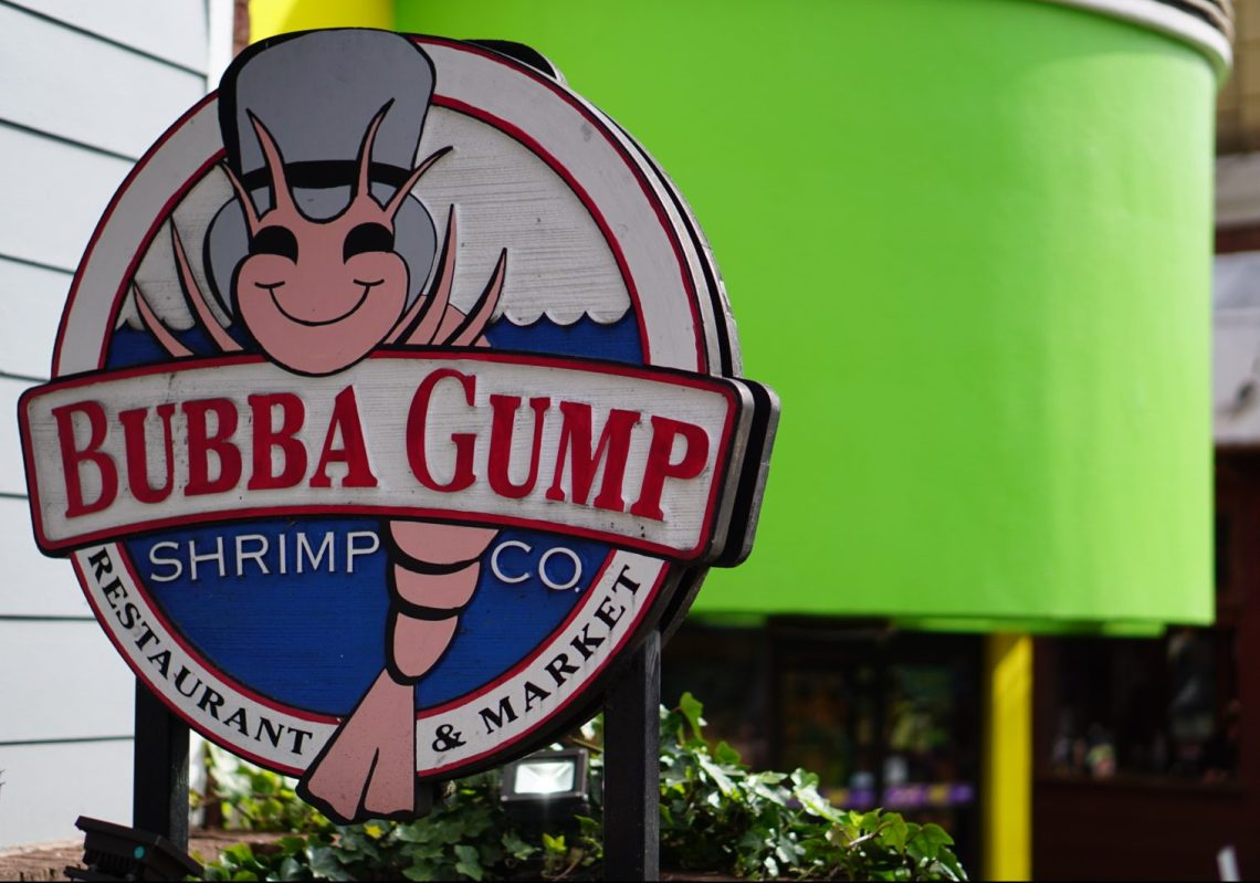 Gatlinburg Tennessee Fun Things to Do in Gatlinburg, TN With Kids - Gatlinburg attractions and family friendly places via Misty Nelson travel blogger, family travel blog @frostedevents Bubba Gump Shrimp Co