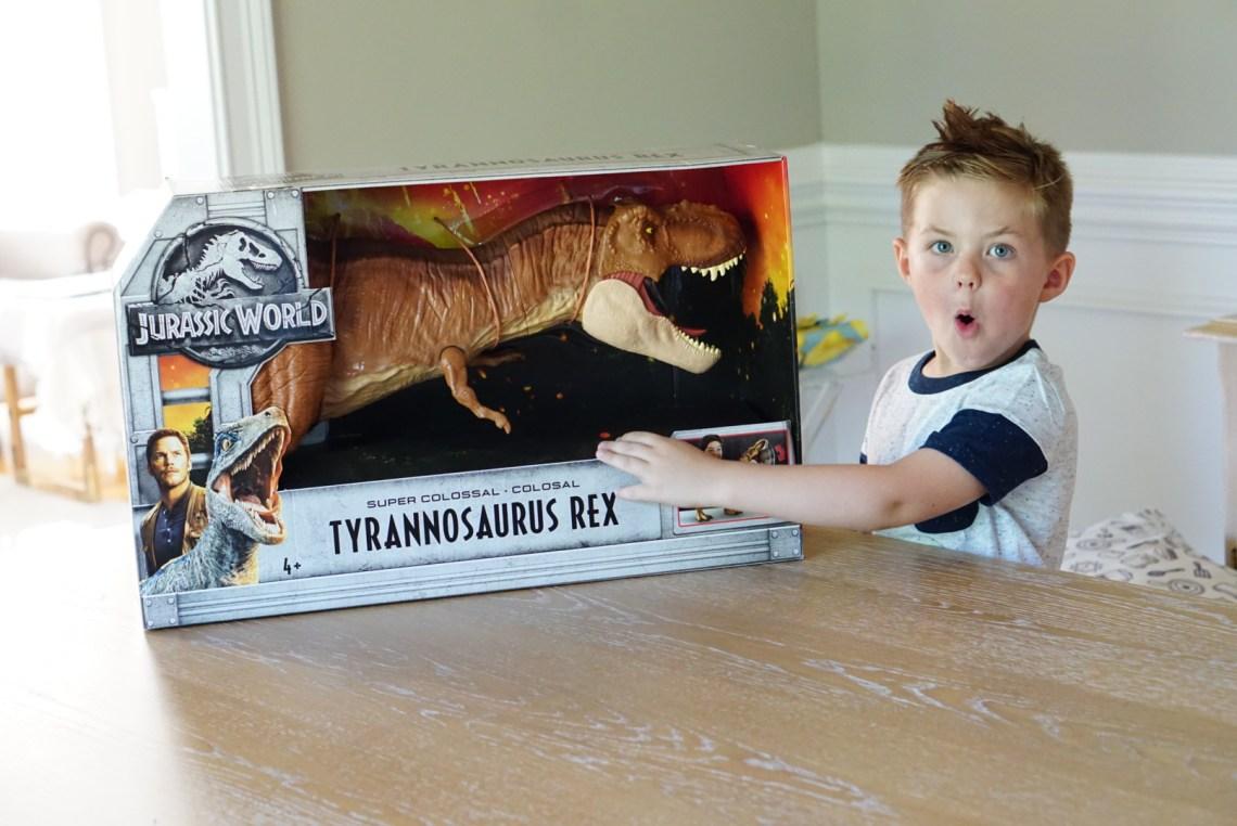 Jurassic World Toys - The Hottest Toys for Kids 2018 List - Dinosaurs! Mattel toys via Misty Nelson, frostedevents.com @frostedevents #kidstoys #toysforkids #kidsbirthday #jurassicworld #dinosaurs