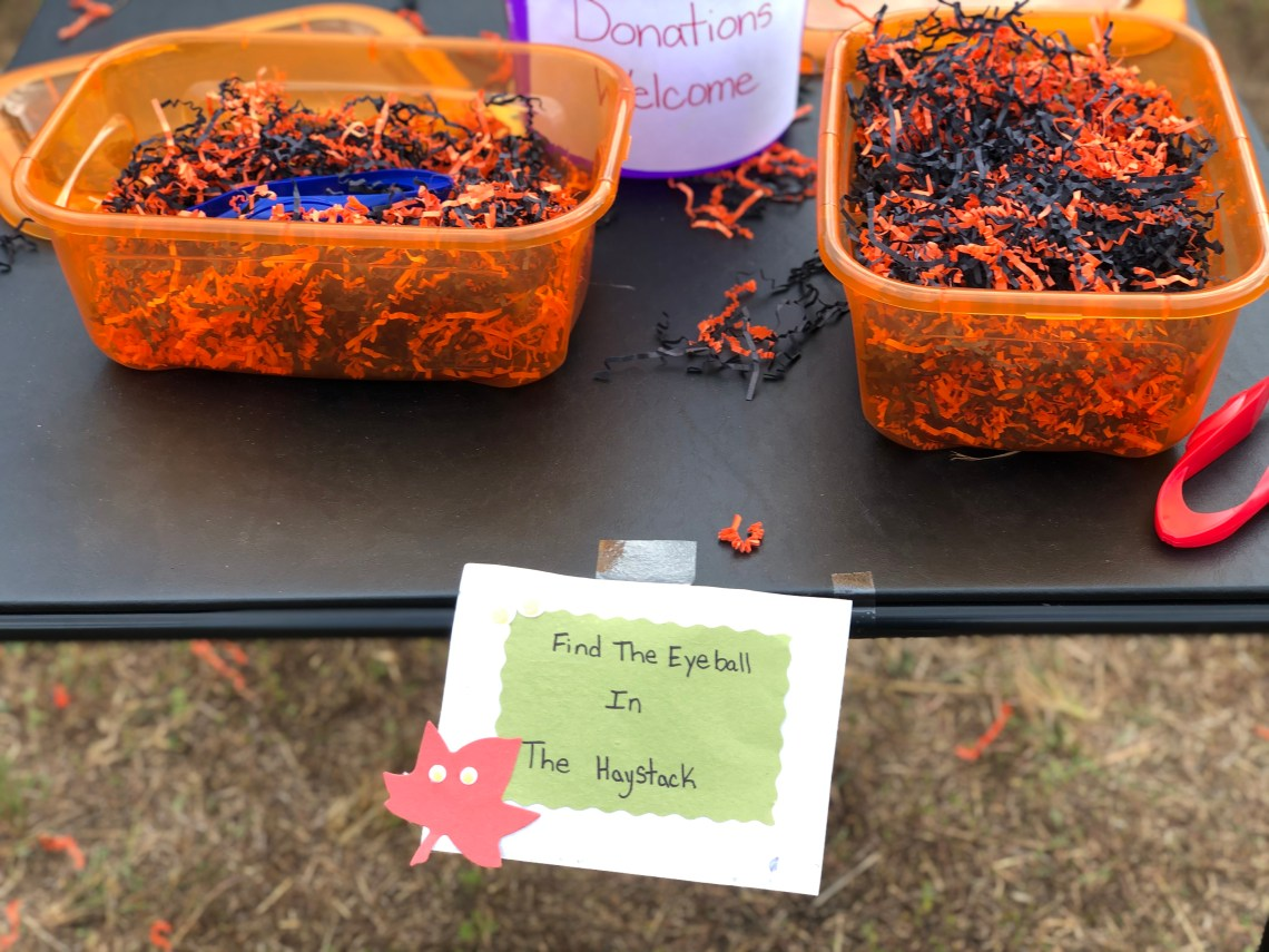 Halloween Games for Kids - Find the Eyeball in the Haystack - Fun Kids Games via Misty Nelson, mom blogger @frostedevents
