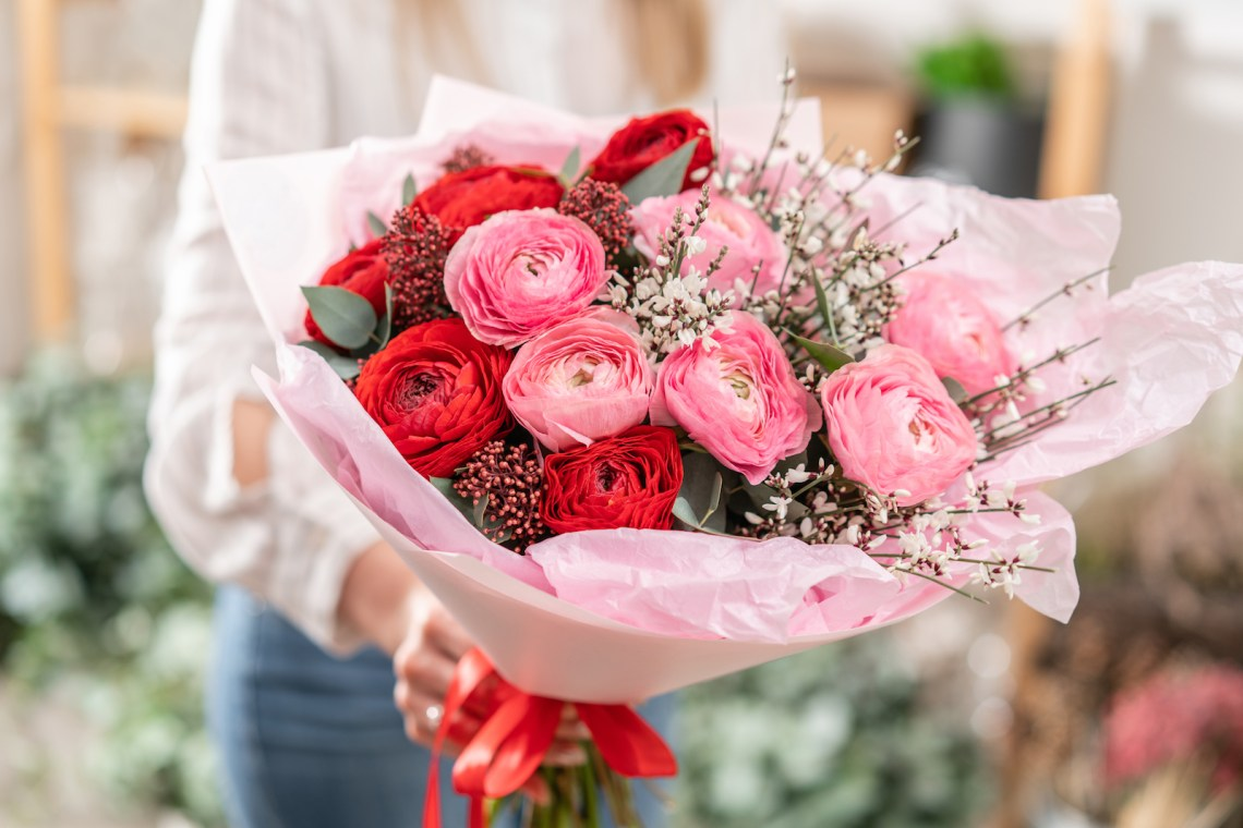 Amazon Flowers - Order Floral Bouquets and arrangements like a dozen roses, fast and inexpensive