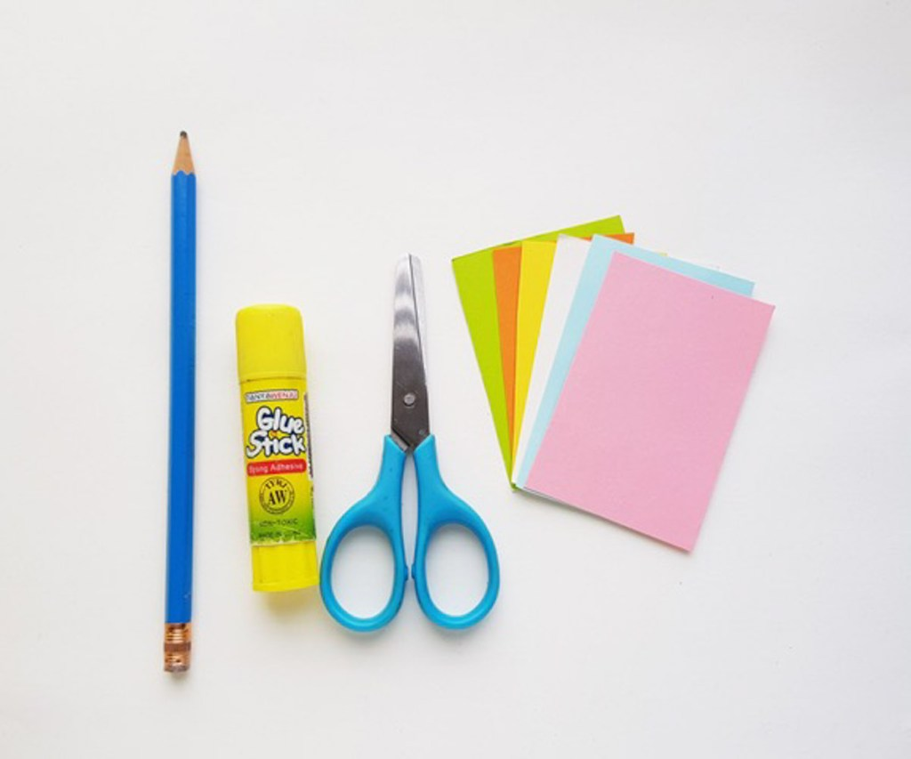 Supplies to make an Easter Egg Paper Craft craft