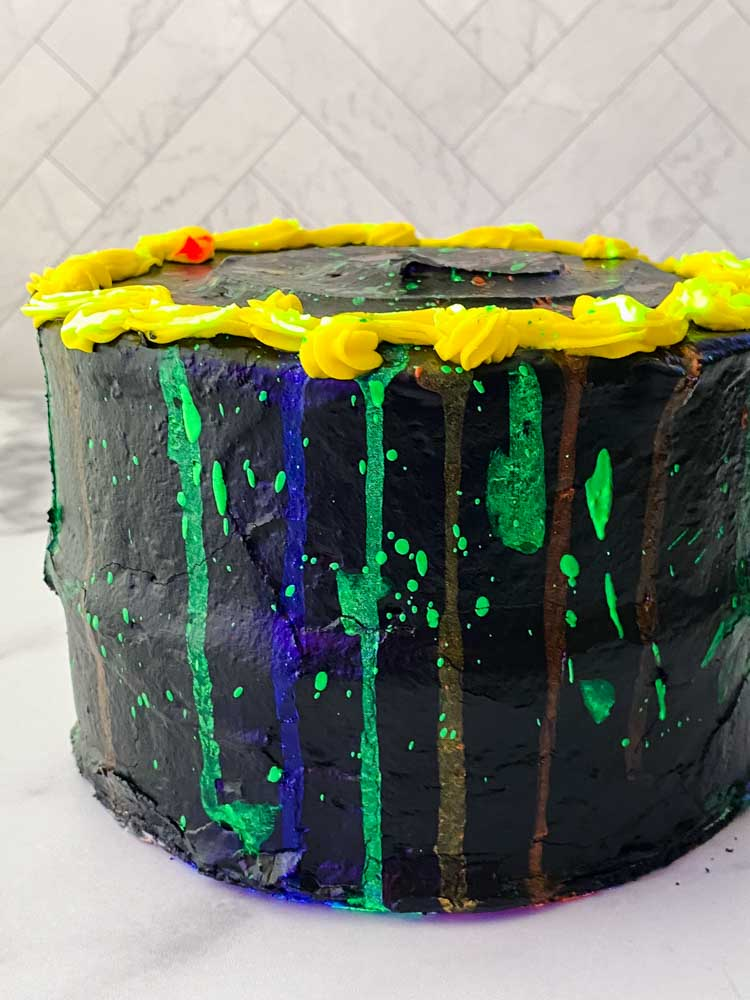 process shot of glow in the dark cake