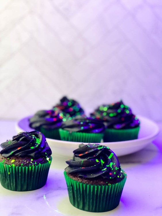 glow in the dark cupcakes with glow splatters