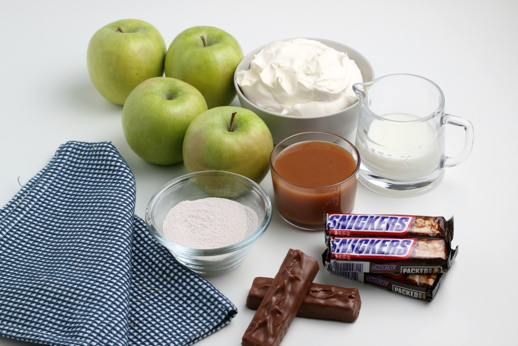 ingredients for snickers apple salad