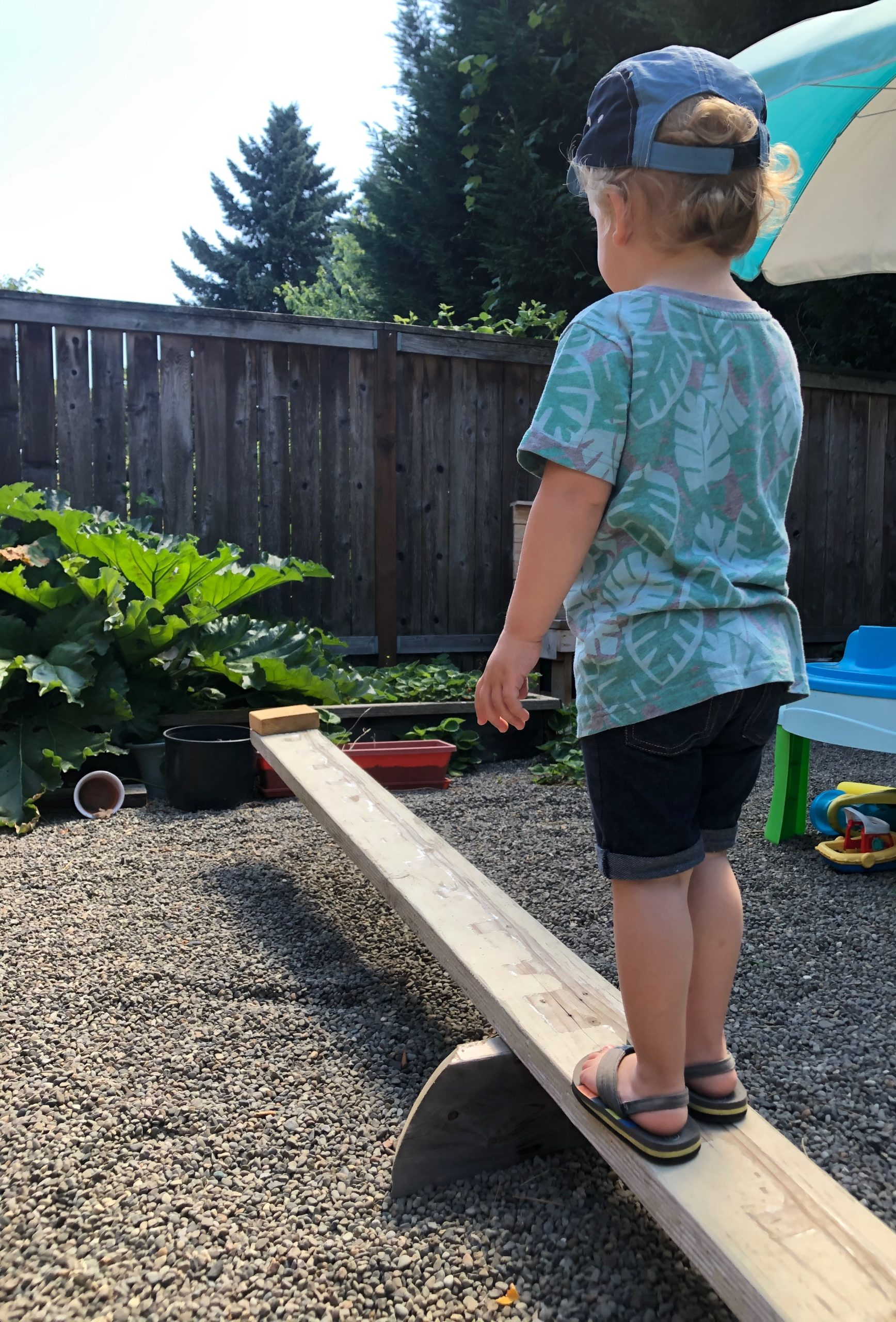 Outdoor play balancing
