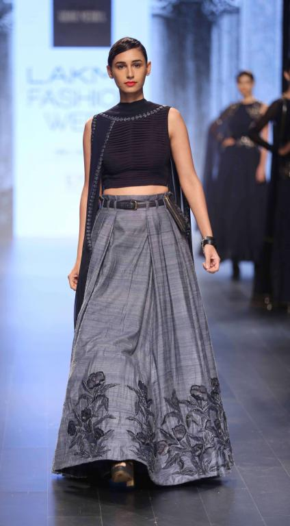 lehengas crop top skirts