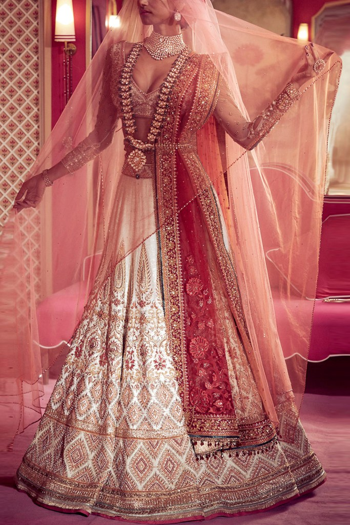 Gujrati Panetar Wedding Outfit