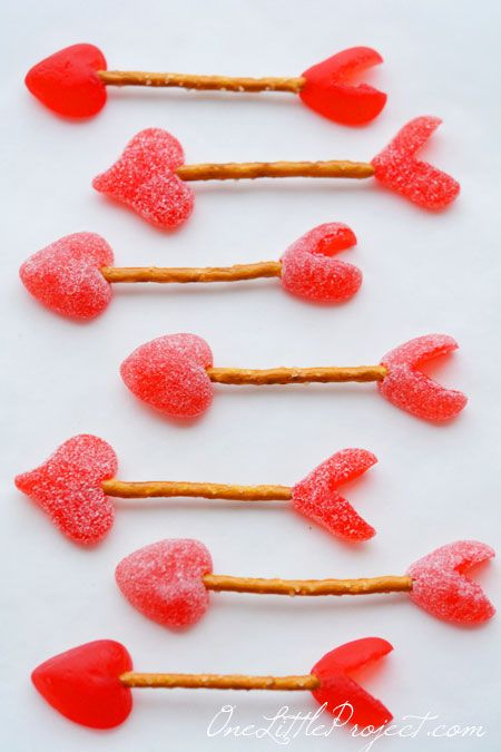 cupid-arrow-pretzel-valentine