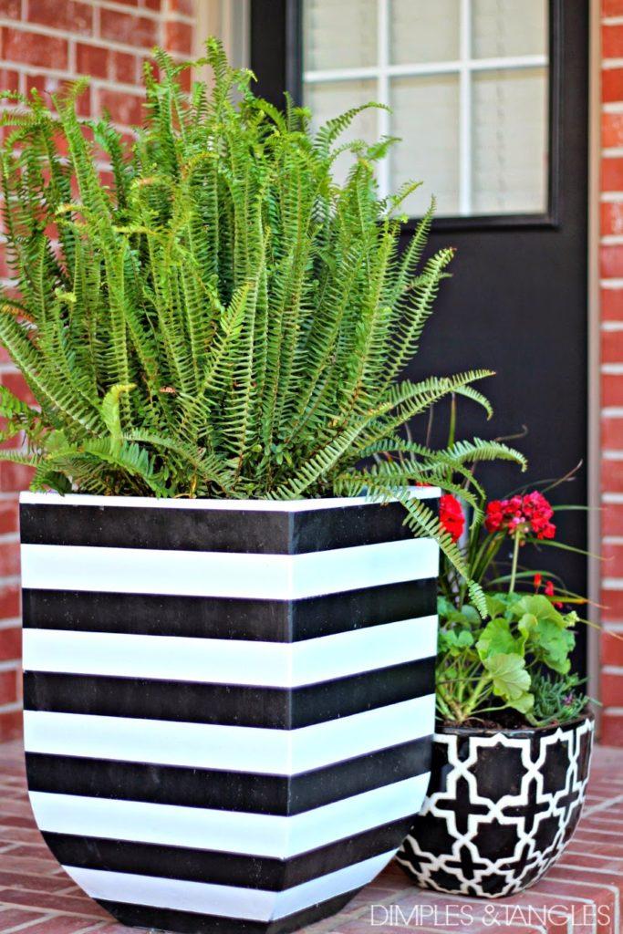 black-white-planters