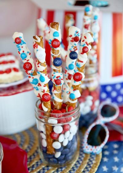 M-and-M-Sparklers-pretzel-red-white-blue-smaller