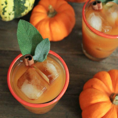 Spiced-pumpkin-punch-with-bourbon-square
