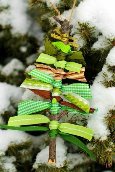 Ribbon-&-Twig-Xmas-Tree-small