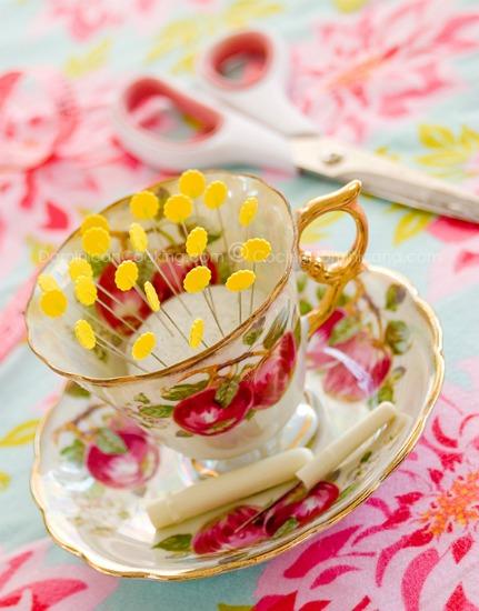 tea-cup-pin-cushion-small