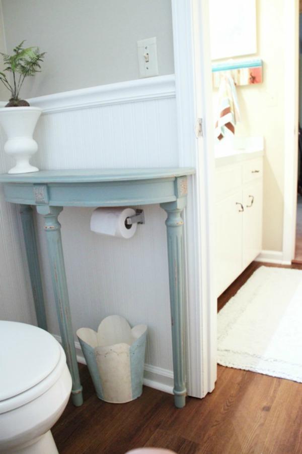 toilet-paper-hider