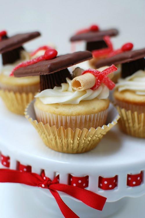 grad-cupcakes