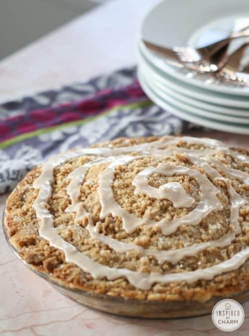 cinnamon-roll-apple-pie-icing-757x1024