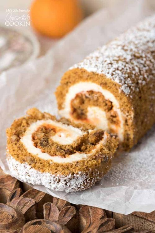 Pumpkin Roll Thanksgiving Dessert