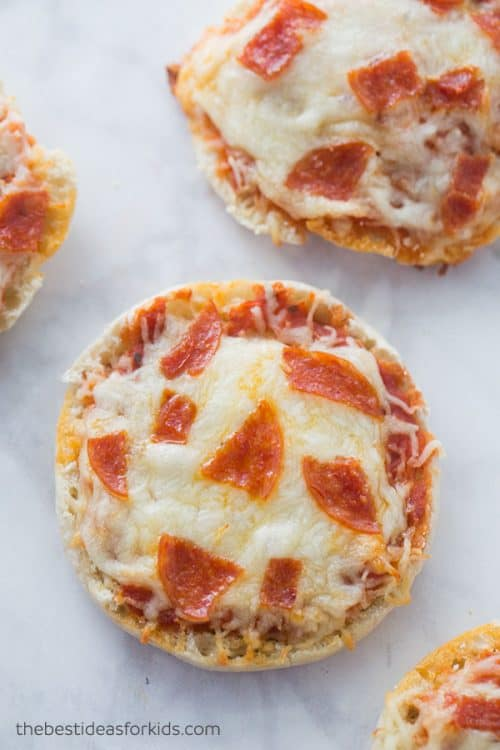 English Muffin Pizzas | Quick and Simple Kids Lunch Ideas