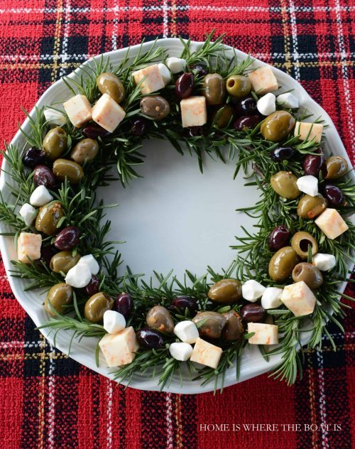 Holiday Appetizer - Cheese & Rosemary Wreath