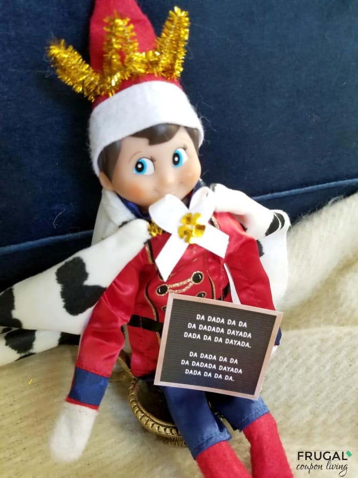 How to Dress Elf on a Shelf Like King George on Hamilton + Printable Hamilton Quotes
