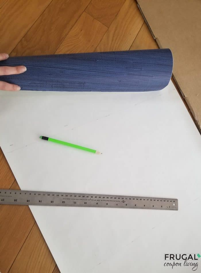 how to measure and precut peel and stick wallpaper