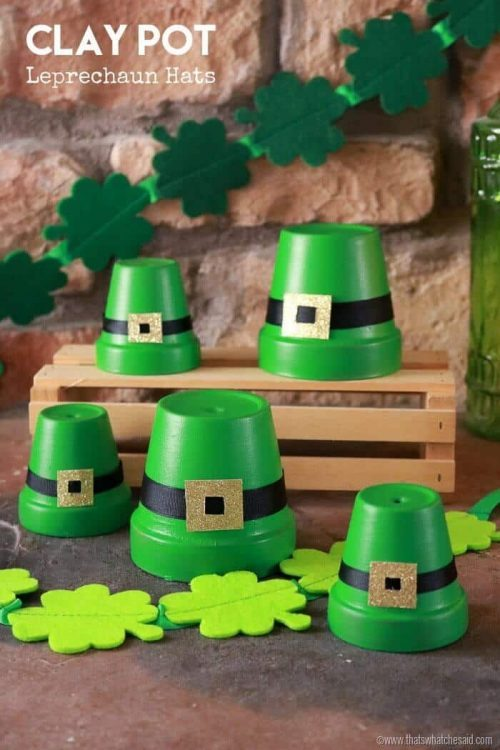 St Patrick's Day Craft Clay Pot Leprechaun hats + Clay Pot Decorations