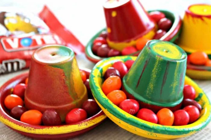 Cinco de Mayo Clay Pot Decor and Crafts