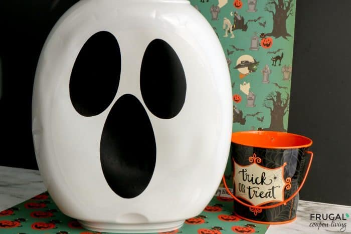 how to make a Halloween ghost craft with at home materials